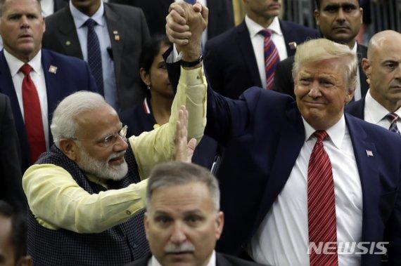 트럼프, 취임 후 첫 인도 방문…미국내 인도계 표심잡기