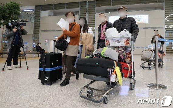 '시노포비아' 이어 '코리아포비아'…한국인 입국제한국 급증