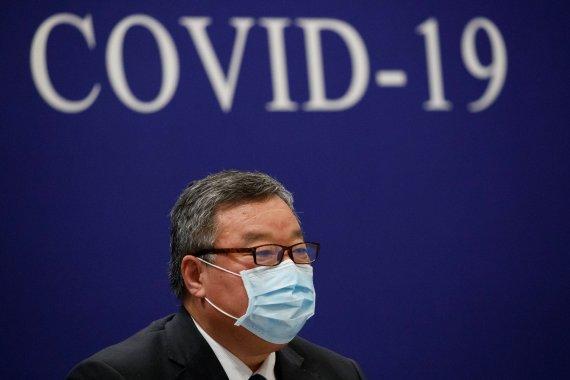 코로나19 신규 감염자, 이제 중국 밖이 더 많다