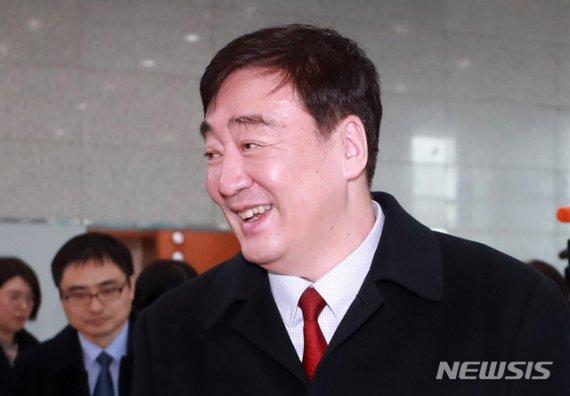 싱하이밍 中대사, 외교부 방문..한중 기업인 '패스트트랙' 논의