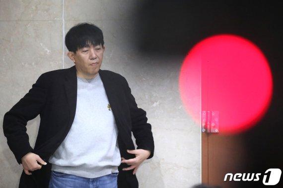 """'타다금지법' 법사위 통과…이재웅 """"정부와 국회는 죽었다"""""""