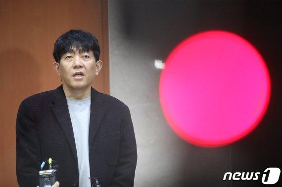 """법사위 통과에 타다 """"베이직 중단"""" 초강수… 이재웅 """"정부·국회는 죽었다""""(종합)"""