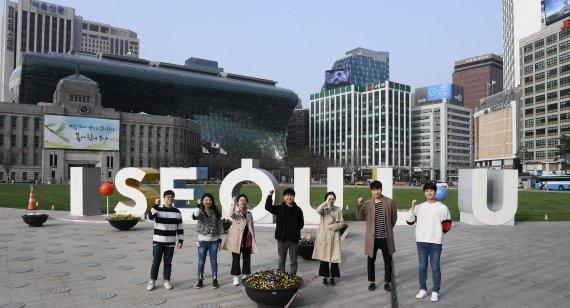 서울시, 기부받은 마스크 1만장..취약계층에 푼다