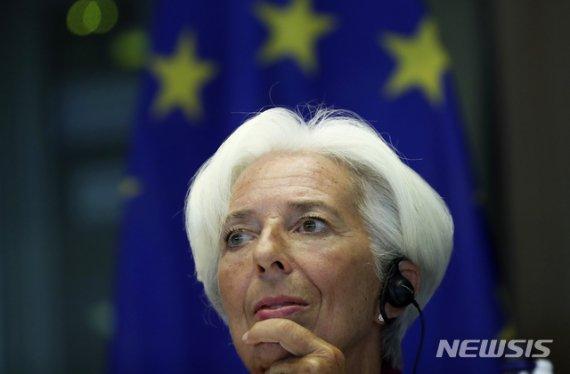 "ECB ""필요하면 코로나19 추가 조치""...'탄약 고갈설' 부인"