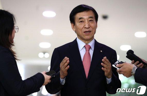 이주열-파월 'OK 사인'후 실무는 단 '며칠'…통화스와프 막전막후