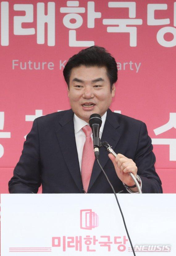 """미래한국당 """"여상규·박맹우·백승주 합류""""..원내교섭단체 구성"""