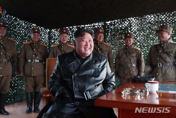 北 초대형방사포 발사에 김정은 불참 왜?…올들어 처음