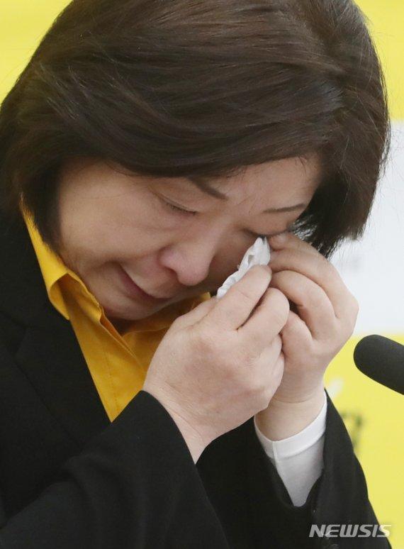 """진중권, 분루 심상정에 """"초심으로 돌아가 다시 시작"""""""