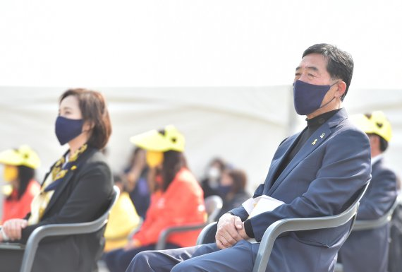 """윤화섭 안산시장 """"세월호 참담한 희생 교훈 삼아야"""""""