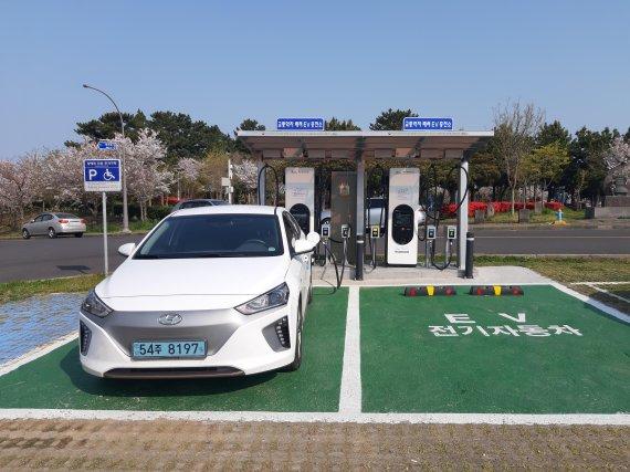 [fn포토] 모두가 편안한 교통약자 배려 전기차 충전소