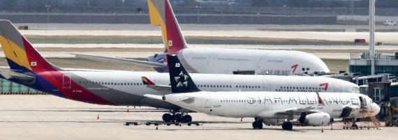 대한항공·아시아나, 유상증자·감자땐 '국책은행 子회사' 전락 [심층진단   존폐기로에 선 항공업]