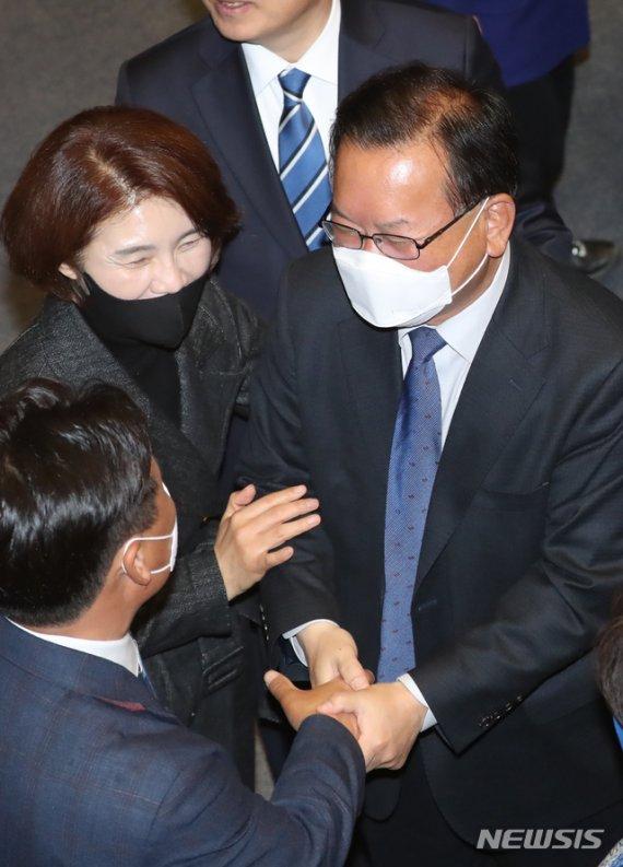 """김부겸 """"상위 10% 재난지원금 기부할 것…국민 믿고 가자"""""""