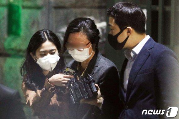 방어 용이해진 정경심…14일부터 불구속 상태서 재판