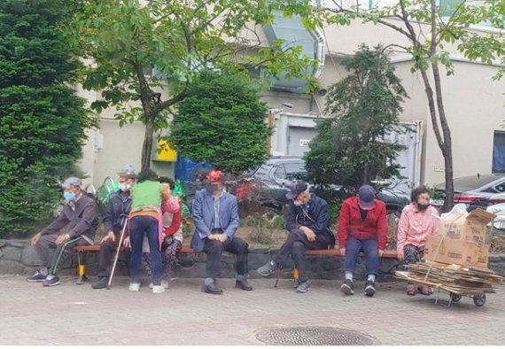 인천 남동구, 횡단보도 주변 교통약자 위한 의자 설치