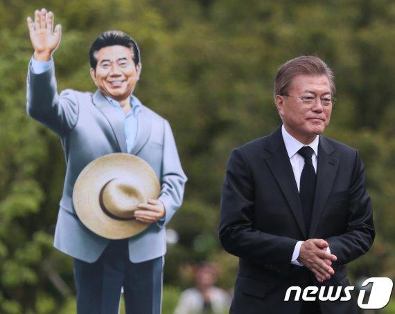 """文대통령, 盧 서거 11주기 '조용히'...""""가슴에만 간직"""""""