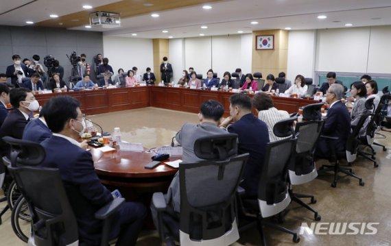 김종인, 기본소득 도입 '공식화' 수순…통합당 '설왕설래'