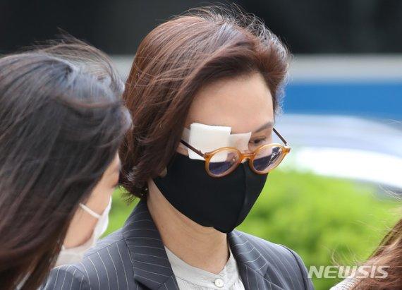 """검찰, '조국 부부 문자' 법정공개…""""불로수익 할말없음""""(종합)"""