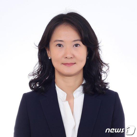 """""""부처 회의 있다"""" 김미경, 한인섭 이어 정경심 재판 불출석"""