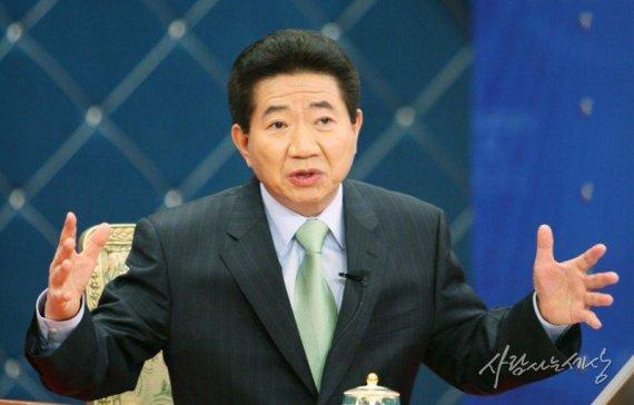 노무현·문재인의 '부동산 전쟁'..'부동산 트라우마' 극복할까