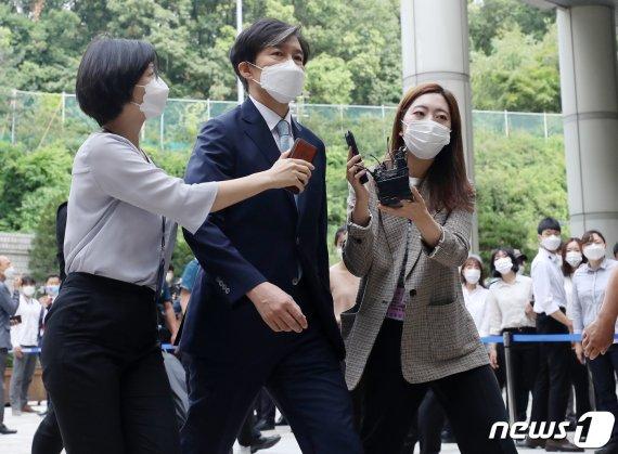 """조국, 정경심 재판 증인으로 선다…""""신문 필요성 인정""""(종합)"""