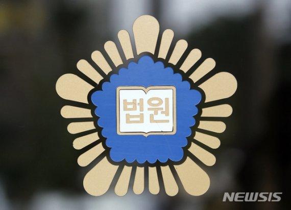 """""""조교를 형이라고 부르다니""""…허리띠 휘두른 말년병장"""
