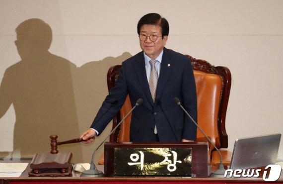 민주당이 18개 상임위중 정보위원장만 선출하지 못한 이유