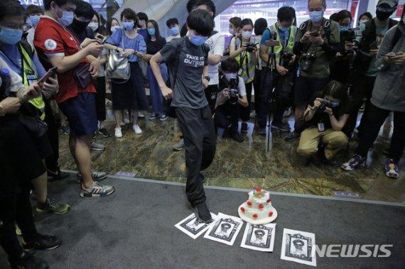 홍콩 보안법 만장일치 가결...액소더스·미중갈등 '격화'될 듯