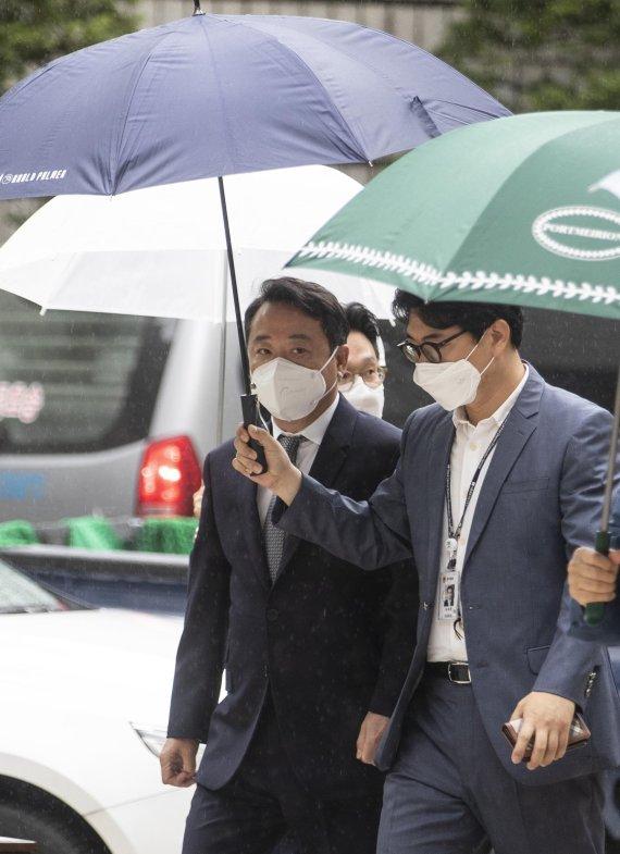 이웅열 전 코오롱그룹 회장 영장실질심사