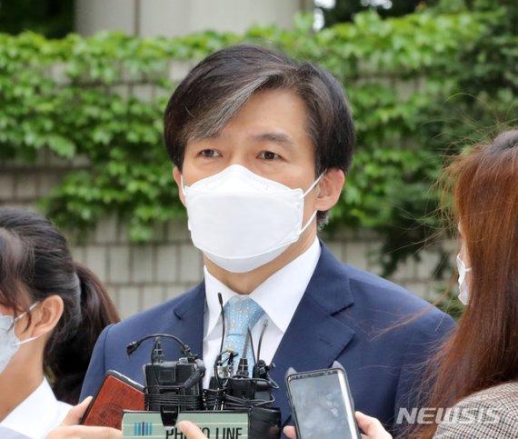'사모펀드 의혹 키맨' 조국 5촌 조카, 1심 징역 4년 선고