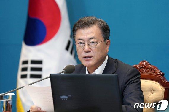 """北, 文 대통령 북미대화 재개 노력에 """"잠꼬대 같은 소리"""""""