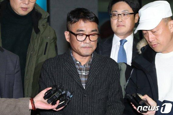 경찰, 김건모에 '무고' 고소당한 여성 불기소 의견 檢송치