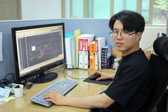 """[병무청·fn 공동기획 군복무부터 취업까지] 남흥전력 이동윤씨 """"군에서 배운 기술, 바로 실무에 적용"""""""