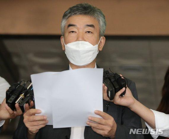 """""""방조 없었다"""" 포토라인서 당당…박원순 측, 반격 시작?"""