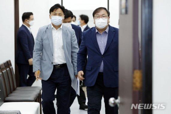 """與 """"민생 중심의 위기 관리 공감대""""…검찰개혁 속도 조절론도(종합)"""