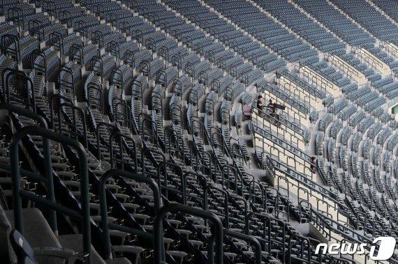 코로나 확산 비상…민주, 오늘 '8·29 전당대회' 비대면 전환 논의