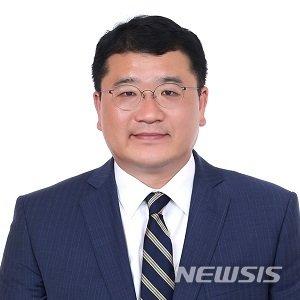 """최종건 외교차관, 취임 일성 """"이분법적 세계관으로 난제 못 풀어"""""""