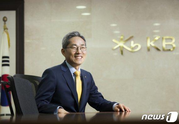 윤종규 KB금융 회장 3연임 사실상 확정(종합)