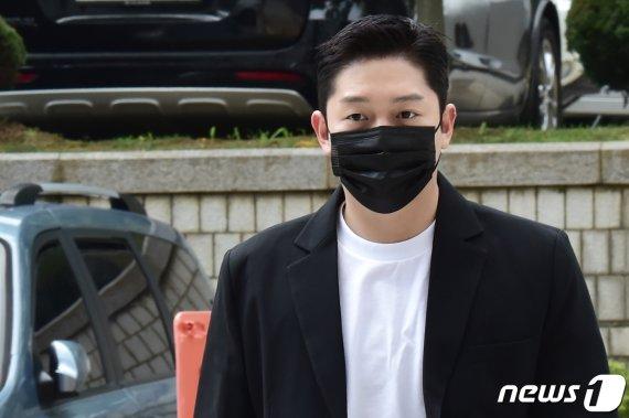 """'故 구하라 협박·폭행' 최종범, 불법촬영 무죄 받은 이유 """"구씨도.."""""""