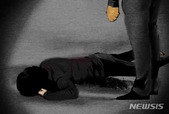 모텔서 술먹다 후배때린 남성, 피 흘리고 쓰러졌는데도..