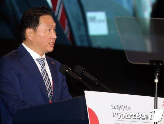 [fn사설] 사상 최대 M&A, SK 최태원의 승부수