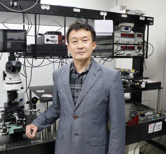 3진법 쓰는 지능형 반도체 소자 개발