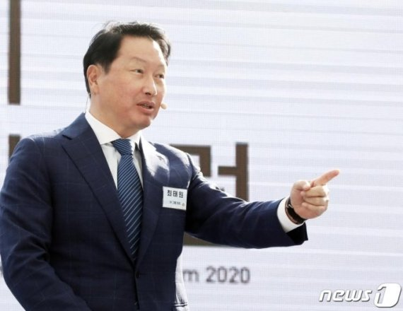 [fn사설] 손잡은 SK-아마존, 플랫폼 협력 본보기 되길