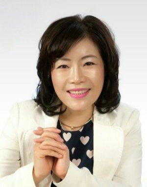 """20년 사회복지 경력… """"사각지대 찾아다니는'풀뿌리복지'에 앞장"""" [인터뷰]"""