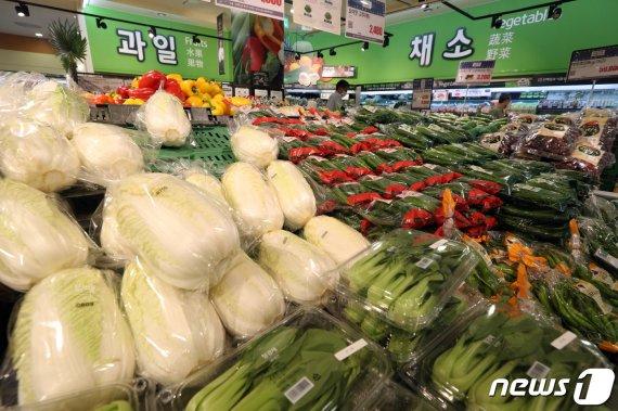 """4월 외식비 상승률 22개월만에 최고...""""원재료가격 상승 탓"""""""