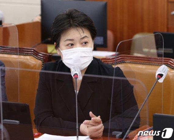 """[fn사설] """"여의도 10만평에 아파트"""" 윤희숙의 파격제안"""