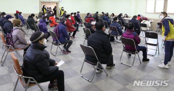 [단독]'노인일자리' 활성화 위한 법제정 서두른다