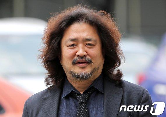 """'김어준 뉴스공장' 수술대 오를까..""""제작진 나 버리려"""" 뼈 있는 말"""