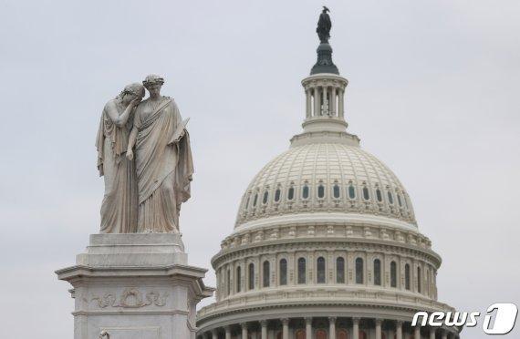 [fn사설] 美 민주 트리플 크라운… 대미 전략 새로 짜야