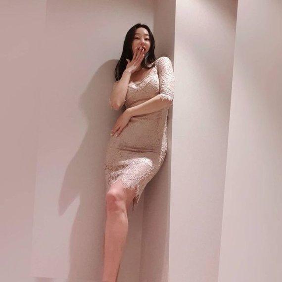 """[N샷] 최여진, 누드톤 밀착 드레스 입고 몸매 과시 """"어머나"""""""