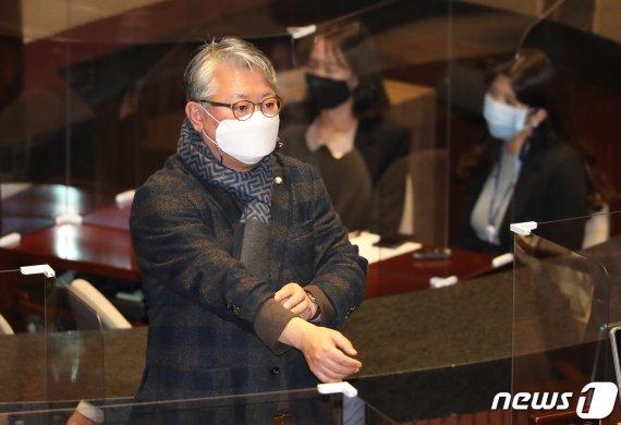 [일지]'정윤회 문건' 유출 사건…보도부터 조응천 무죄 확정까지
